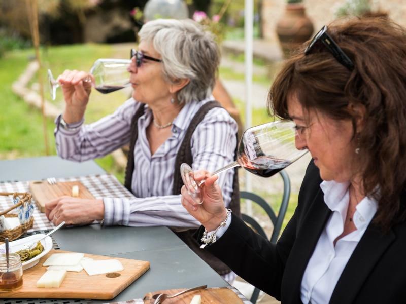 Agriturismo Pietralta - Degustazione dei vini dell'azienda agricola