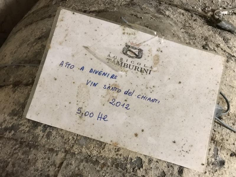 Il vinsanto ancora nel caratello, Agricola Tamburini, Gambassi Terme