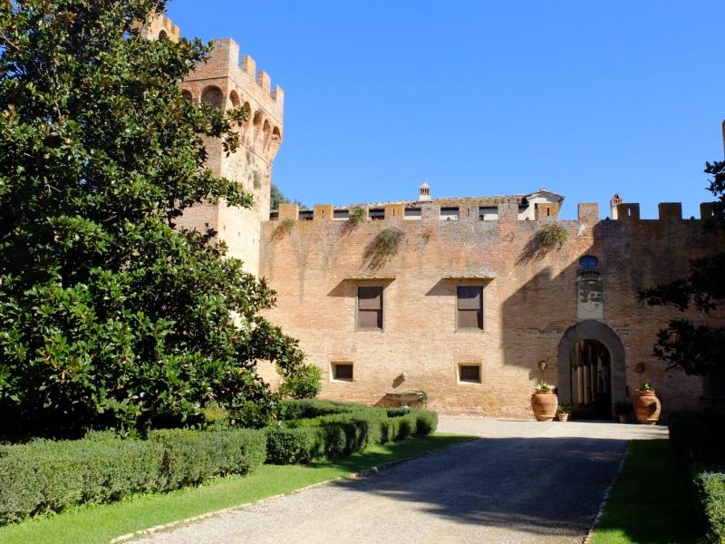 Il Castello di Oliveto a Castelfiorentino